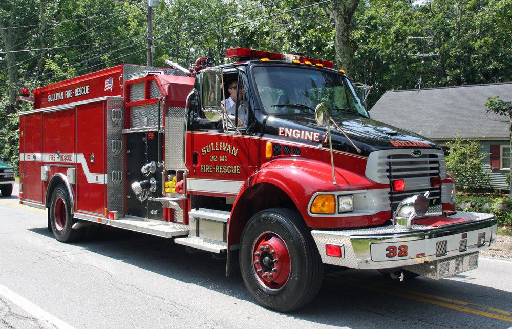 Sullivan, NH 32 Engine 1 (2003 Sterling EVM)_3898191575_o.jpg