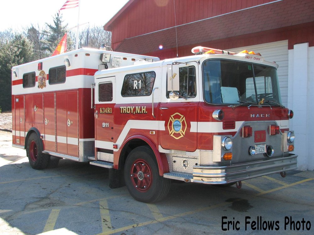 Troy, NH 34 Rescue 1 (1984 Mack CF)_314047175_o.jpg