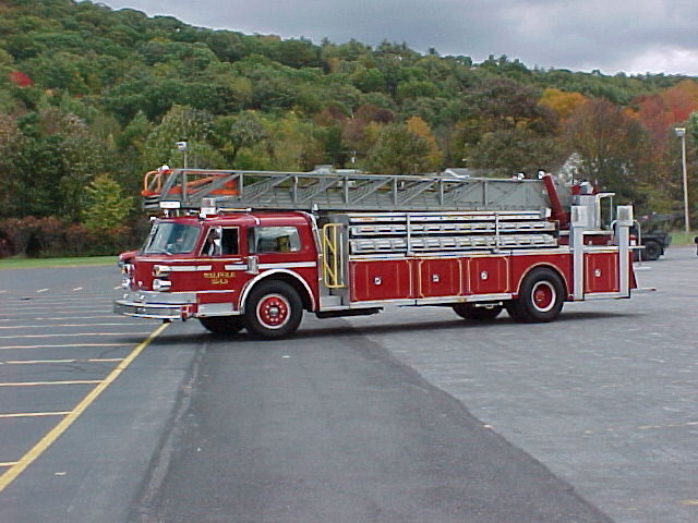 Walpole NH, Ladder 5 before repaint_300475452_o.jpg