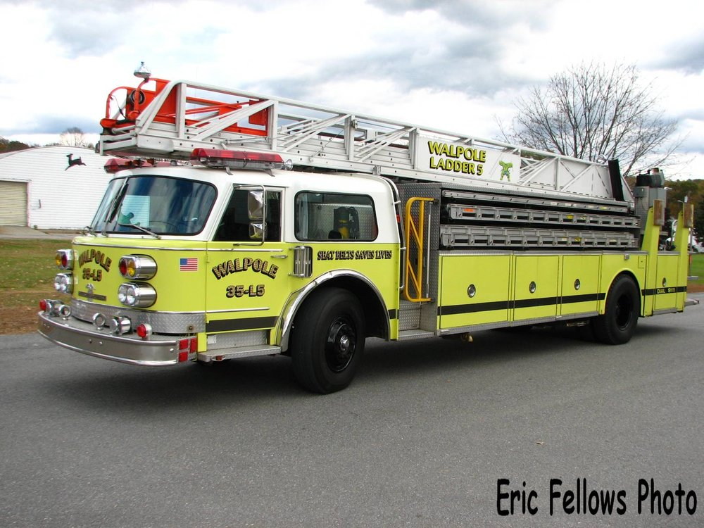 Walpole, NH 35 Ladder 5 (1980 American LaFrance)_314051572_o.jpg