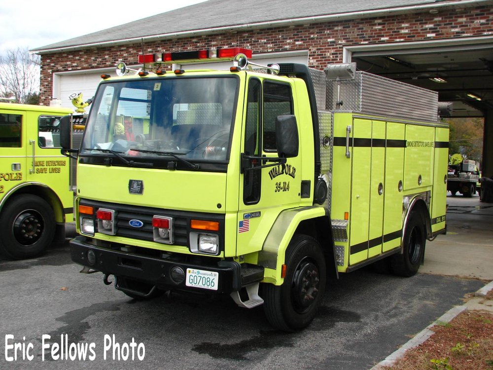 Walpole, NH 35 Rescue 4 (1988 Ford Salisbury)_314051582_o.jpg
