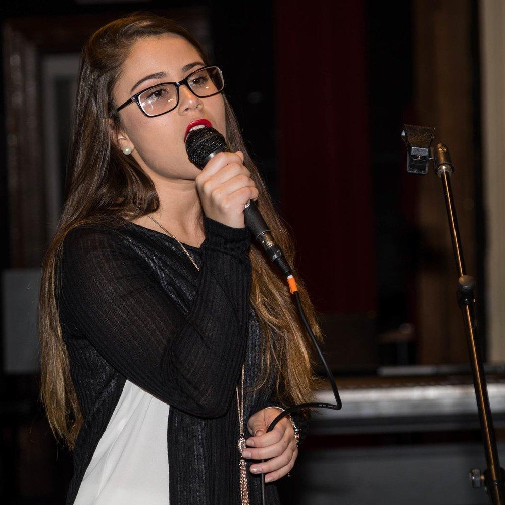 singer 2.jpg