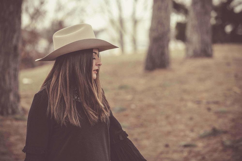 SOFIA LEE DAVIS - New EP OUT NOW
