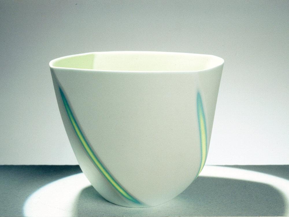 Small Twist bowl - 11 cm h -  £ 90.jpg