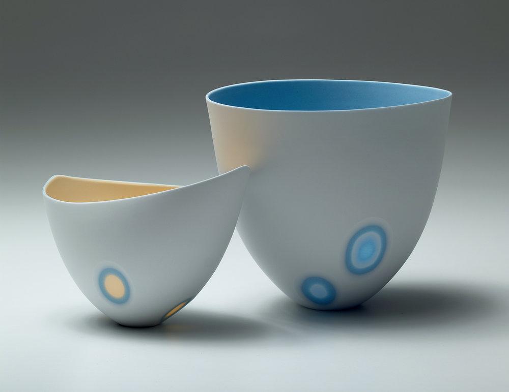 3 layers - Ice white, Azure Blue, Mandarin Yellow - 11 cm h  / 4 layers - Ice white, Azure Blue - 16 cm h