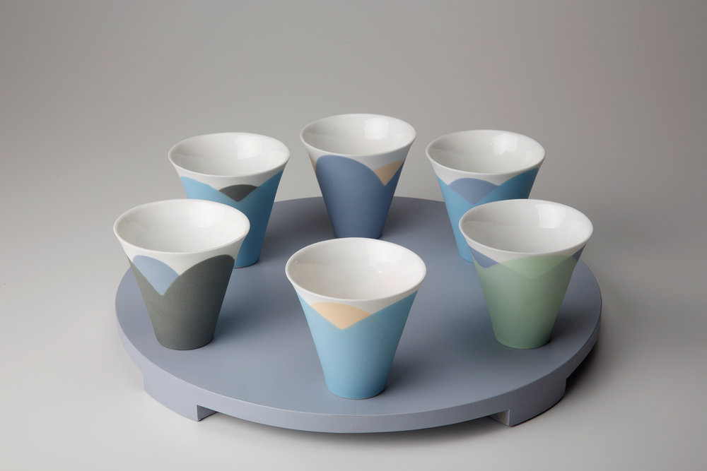 Small 'Tide' espresso cups on wooden tray - 7 cm h