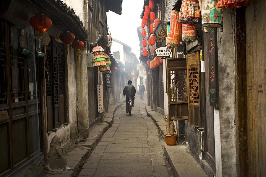chinese-alley-jed-holtzman.jpg