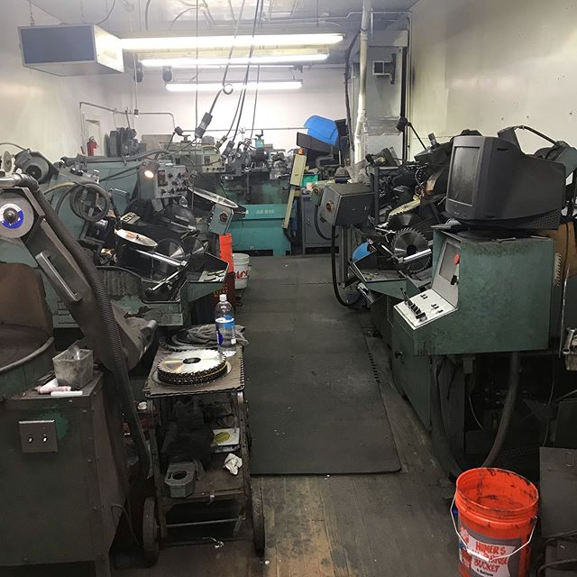 Most wood workers don't know what it really takes to sharpen their Saw blades. Here is a picture of just some of the machinery it takes.  We are set up for production sharpening. We are able to save our customers a lot of money by resharpening their Saw blades and router bits. #woodworking #wood #woodcarving #woodworkers #kitchencabinets #chicagowoodworker #chicagowoodworking #sharpening #