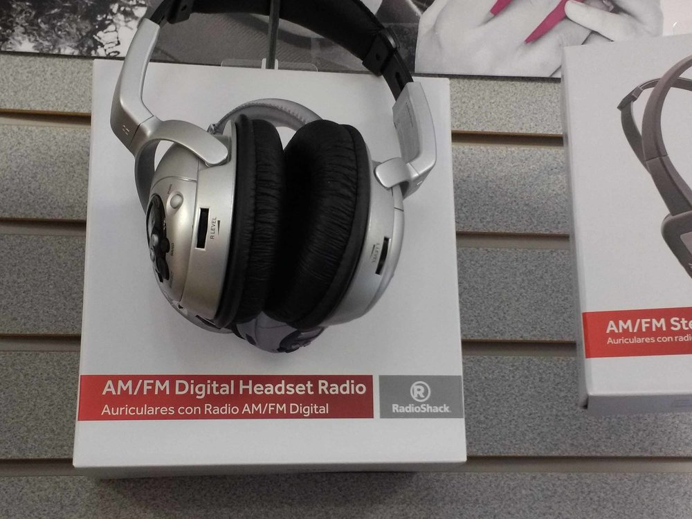 Enjoy AM and FM radio with this digital headset to keep you entertained while you're busy with other things.