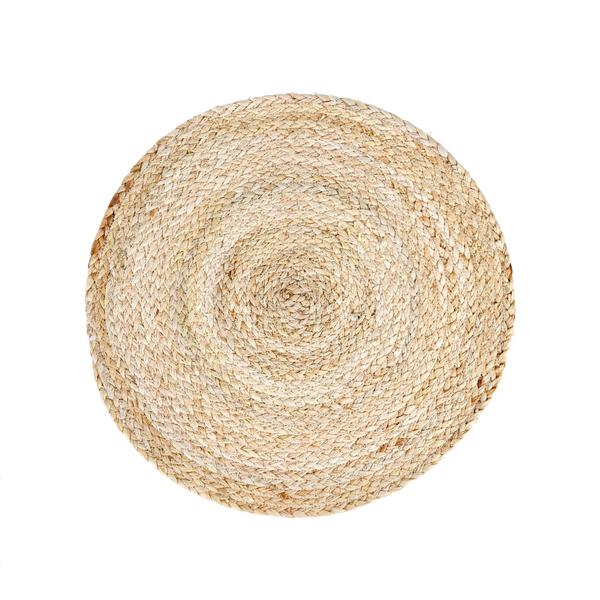 These braided placemats are the perfect beach house table accessory. I love pairing this placemat with crisp white dishes for a fresh tablescape.