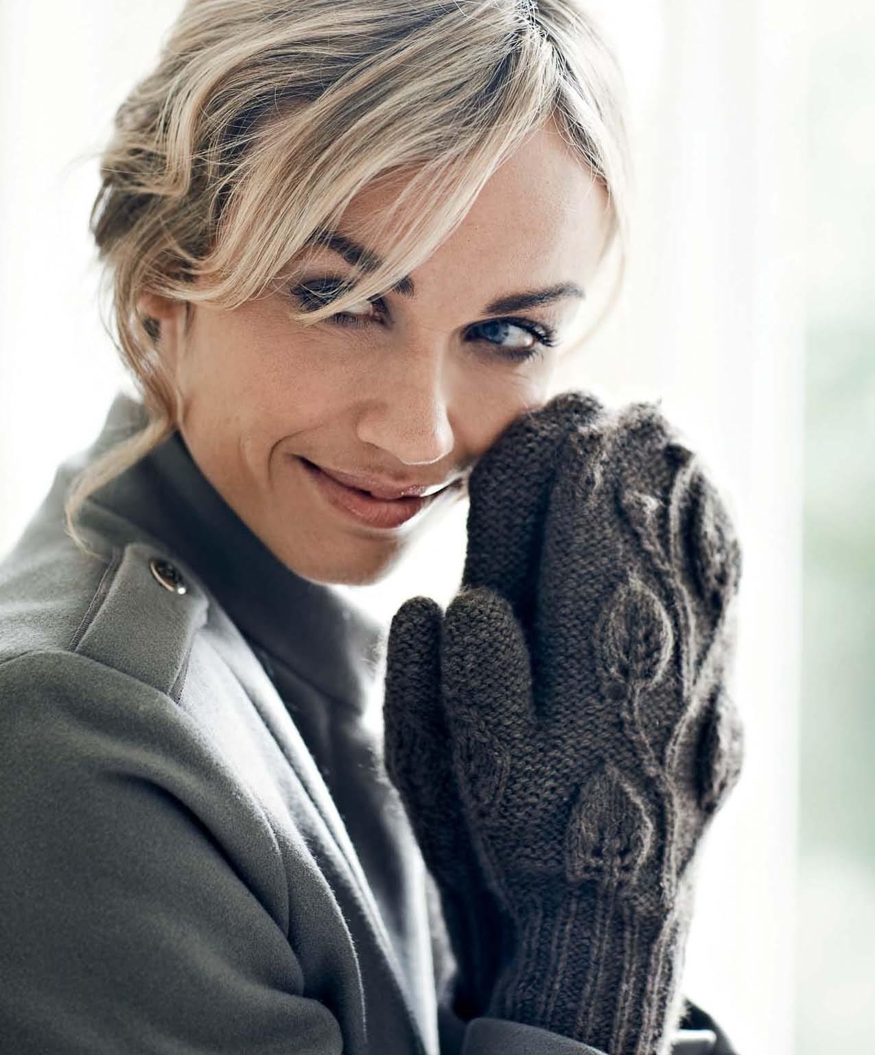 Perfectly Feminine Knits - Nora beauty image