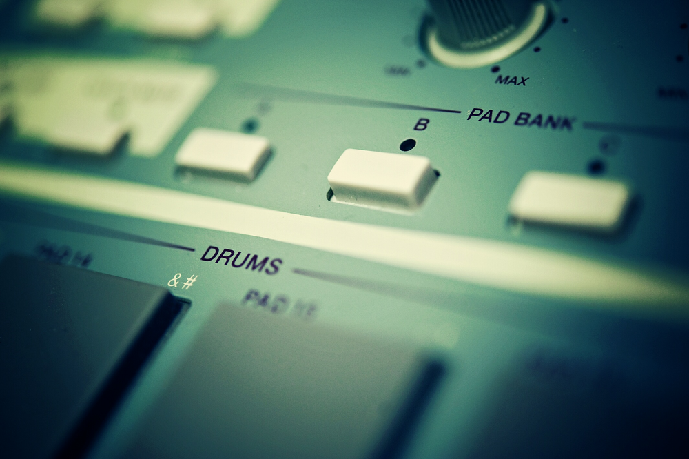 Sampling - Explore sampling fundamentals, then record, edit and program a sampler patch.