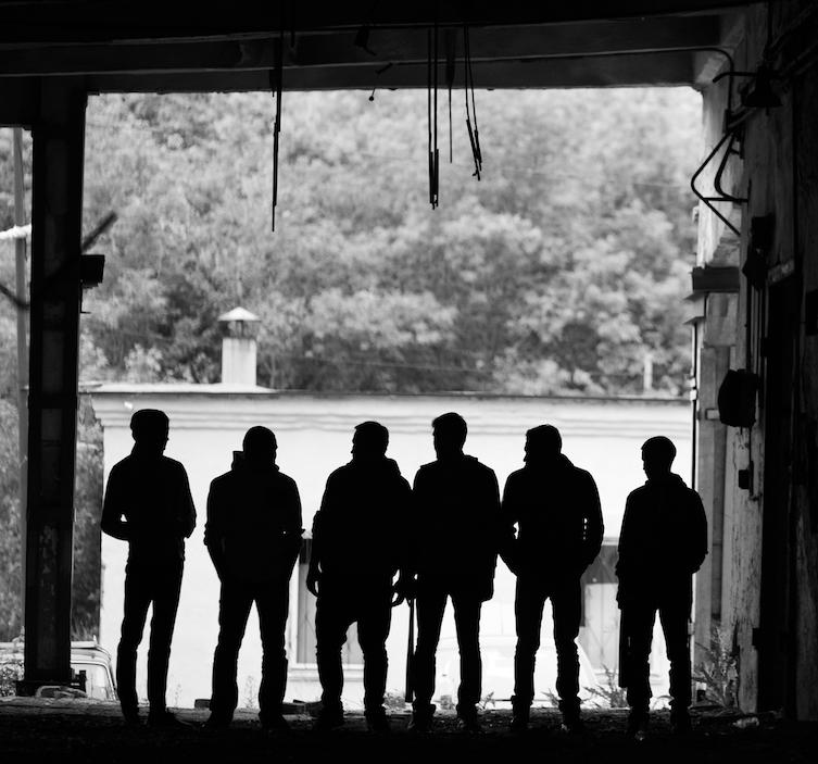 gangsters-outdoors-P4RL3YZ crop-med.jpeg