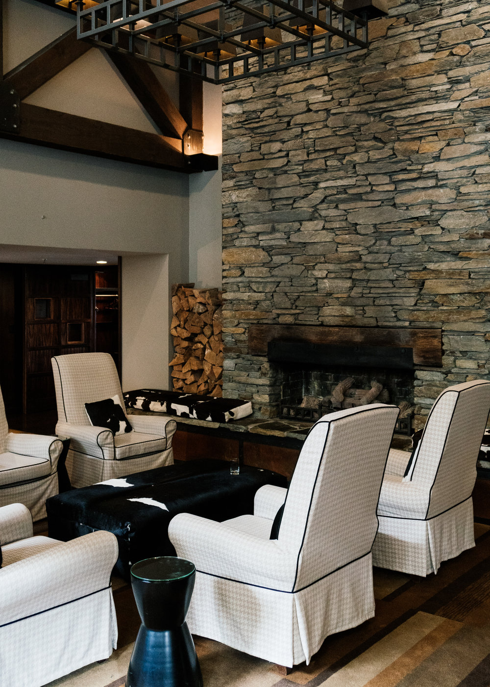 The lobby. Imagine here, winter and sitting by the fire sipping hot chocolate. Can't stop thinking about those  Patagonia Chocolates !