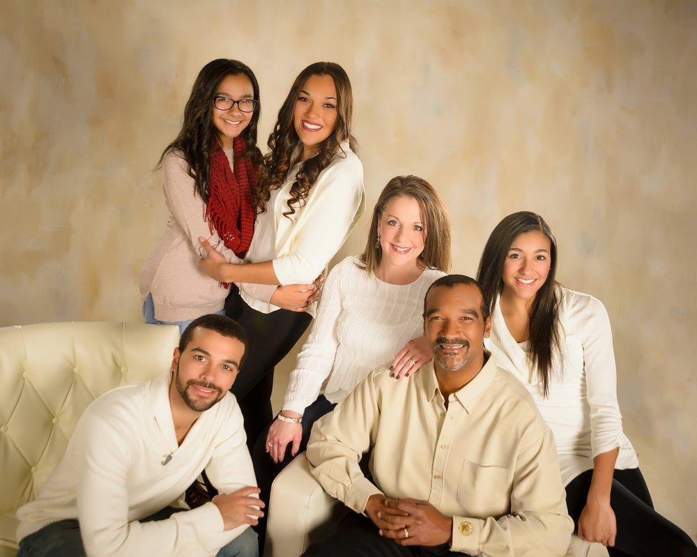 DonzelLeggettForMNHouse_Family.jpg