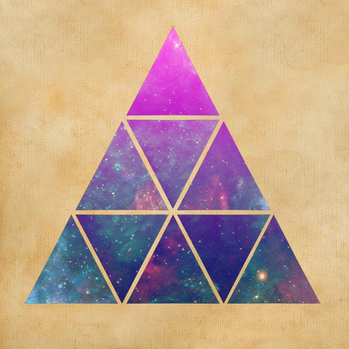 triangles_background-680244_960_720.jpg