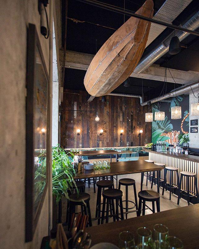 The calm before the storm ! See y'all soon ✌️😉 . . . . #banhmicaphe #banhmicaphenz #vietnameseeatery #vietnameseeats #restaurant #restaurantdesign #bar #drinks #celebration #happytime #happyhour #goodvibes #goodvibesonly #hamiltoneats #hamiltonwaikato #hamiltonnz #hamilton #newzealand #neatplaces #victoriaontheriver #theriverbanklane