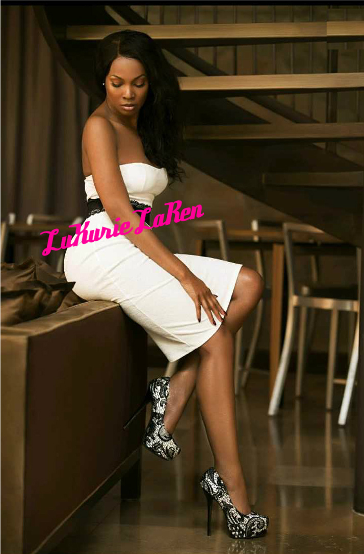 Luxurie Laren white knees redone.jpg