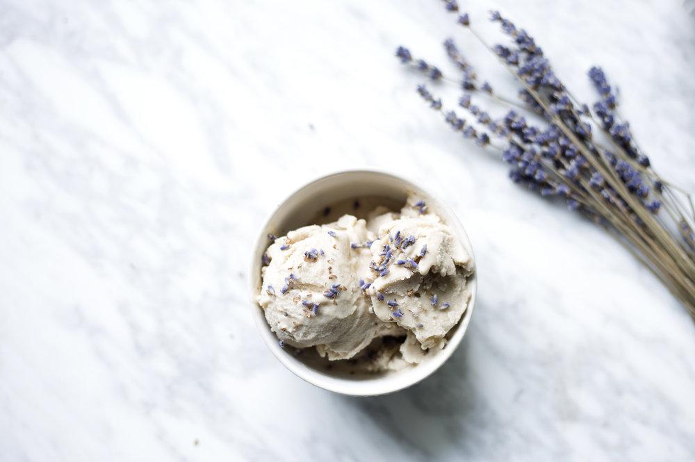 DIY frozen banana ice cream , added sugar-free, dairy-free, gluten-free