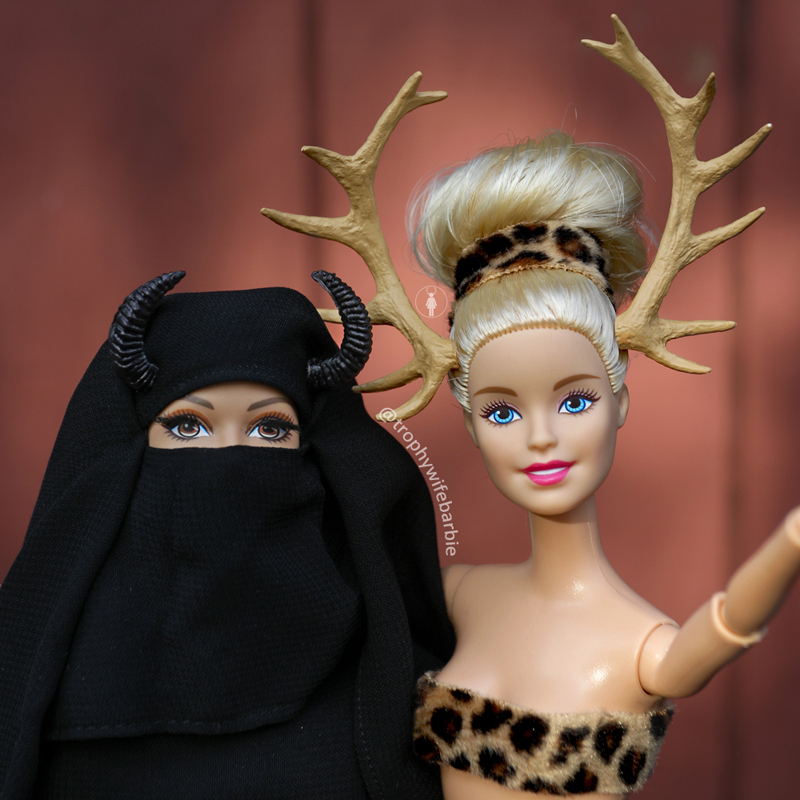 Selfie with Surayyah 💋 We were just discussing whether we think it's worse for women to be told what to wear than it is to be told what not to wear #TrophyWifeBarbie #shitjustgotreal