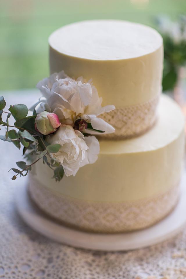 White peony cake flowers.jpg