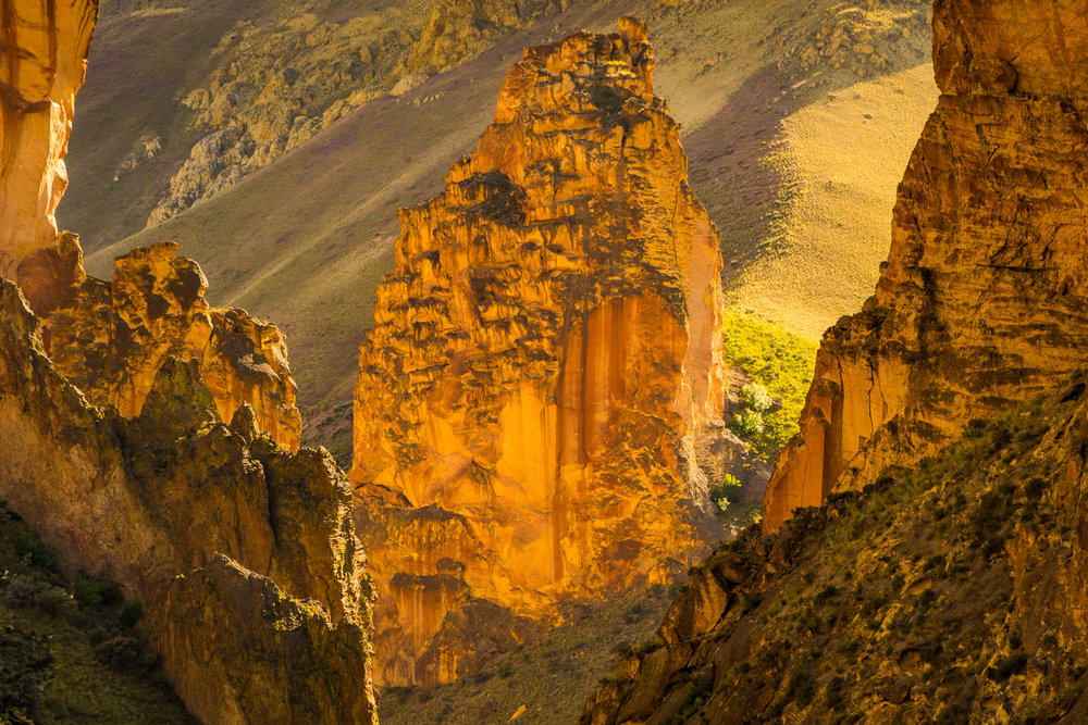 """This Wild & Scenic River is a paddler's paradise cutting through """"Oregon's Grand Canyon."""""""