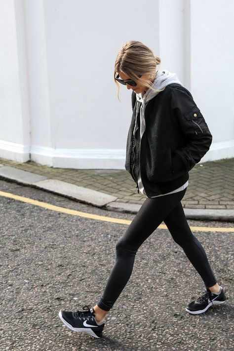 26. BLACK LEGGINGS