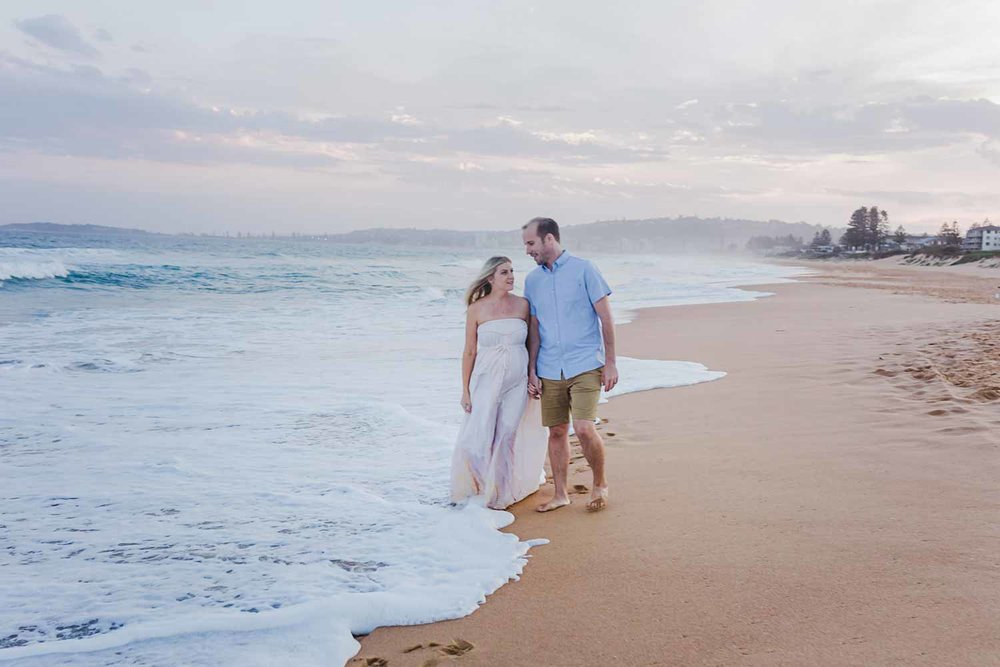 narrabeen-beach-maternity-shoot.jpg