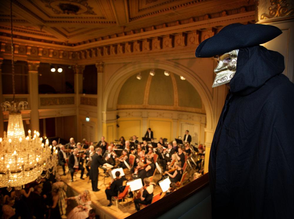 Opera Ball skummel fyr uten navn.jpg
