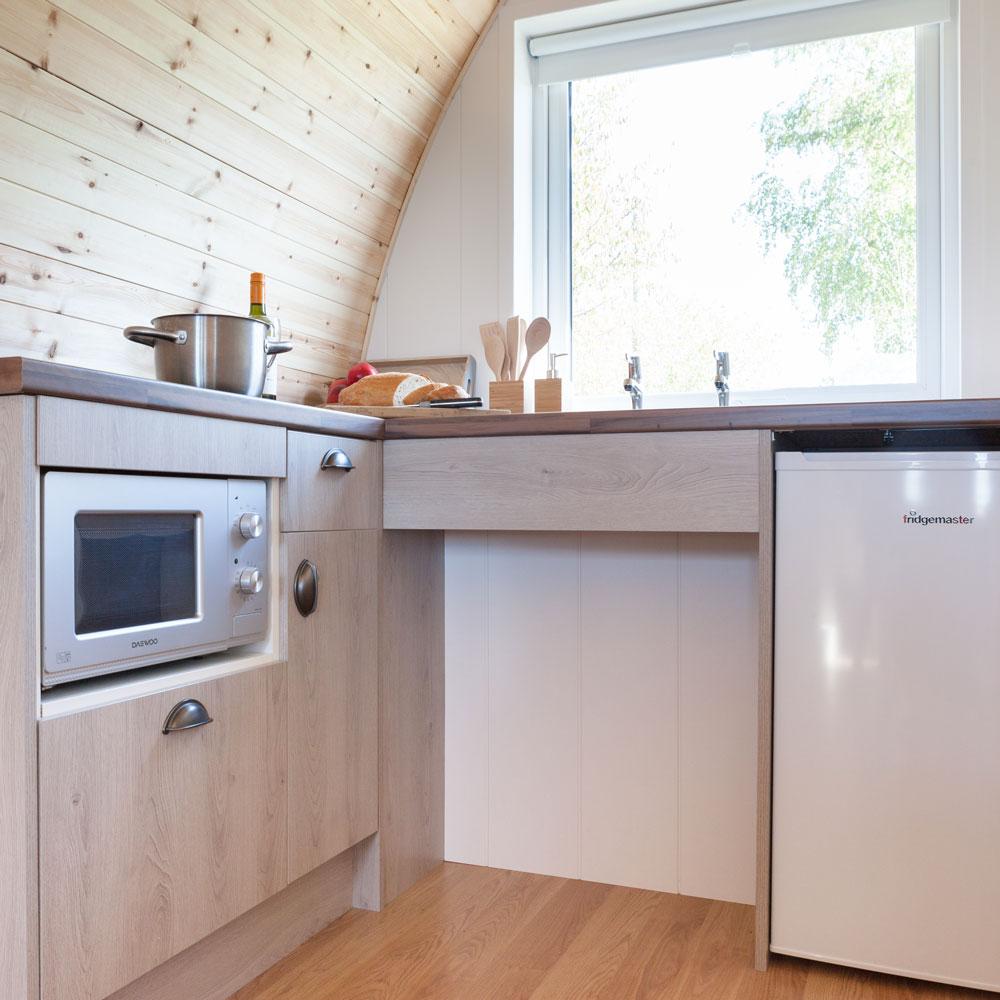 luxury-garden-pod-cabin-kitchen.jpg