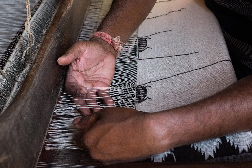 Weaving the motifs