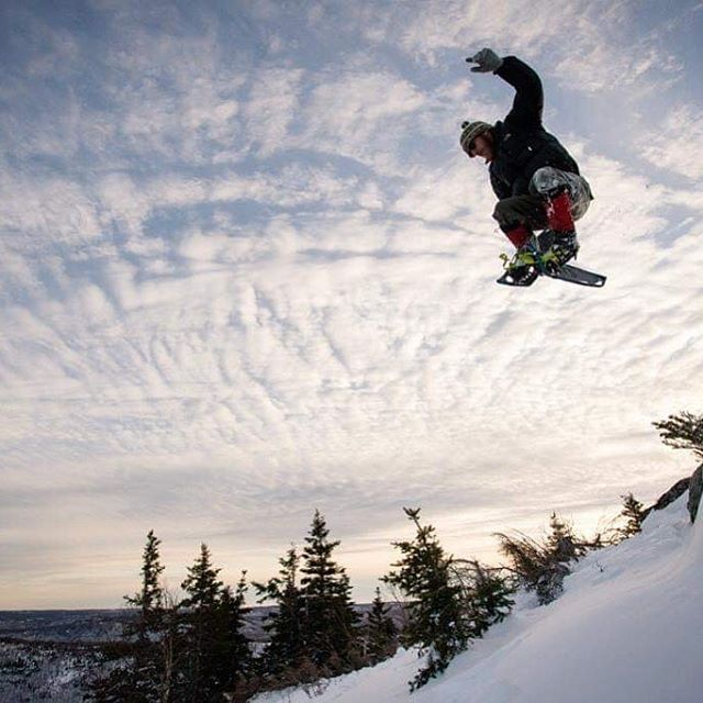 There's been a ton of rain lately and a lot of snow has disappeared, but the Cape Breton Highlands are still loaded with it! So grab your gear and get back out there!!😉❄️🏂⛷ . . . . . #explorecb  #explorecbwinter  #visitnovascotia #winterfun #welovesnow @visitcapebretonisland  @visitnovascotia