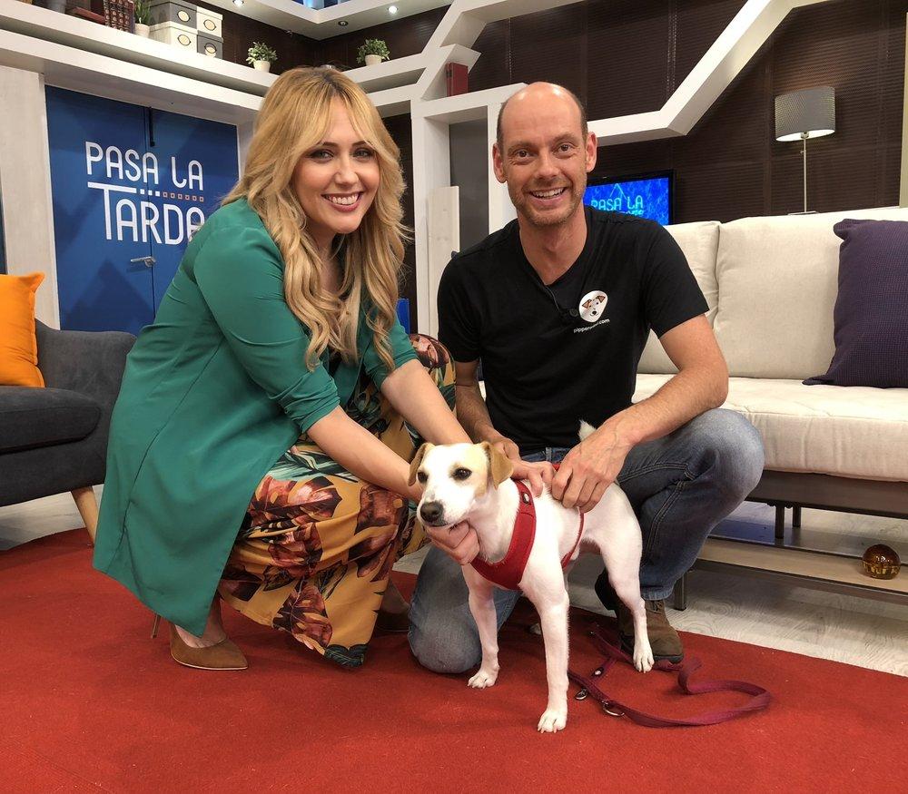 Con Patricia y Pablo en el plató de la TV de Asturias.