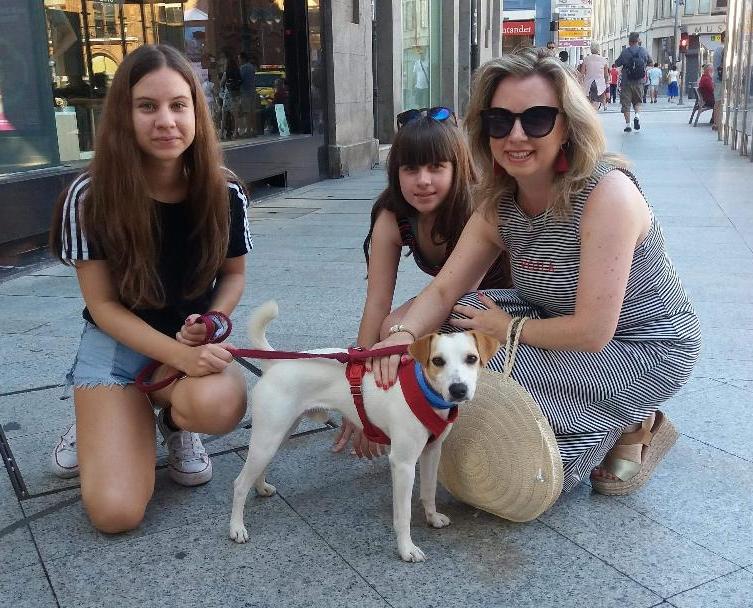Con unas amigas en el centro de León.