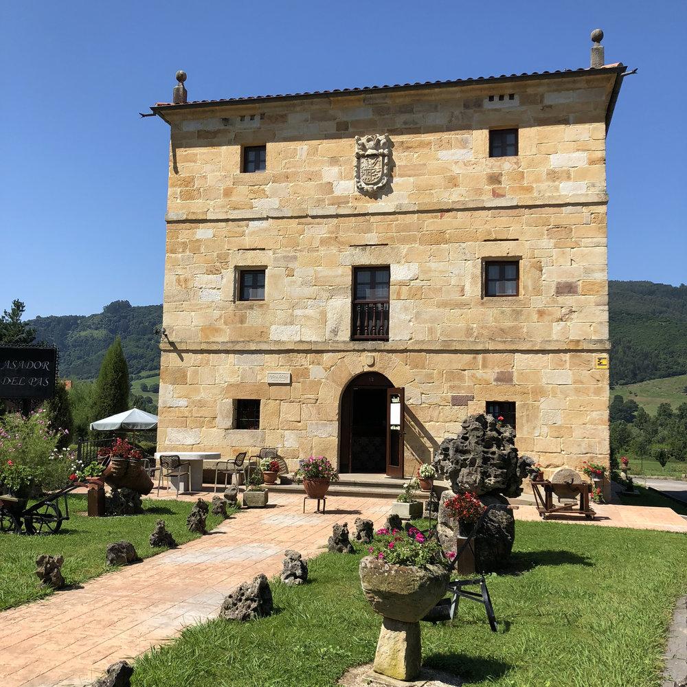 Posada asador Ribera del Pas, en Iruz.