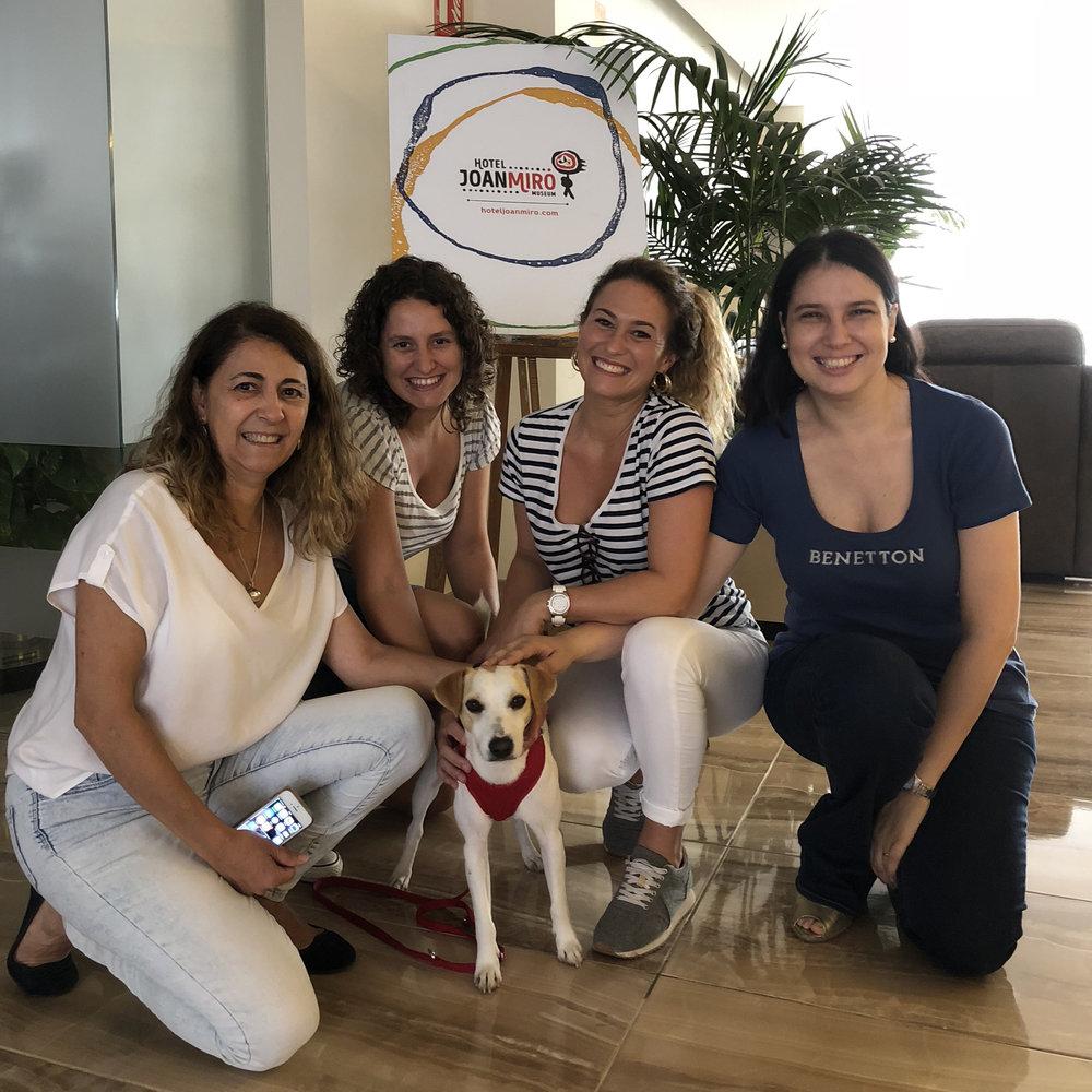 Con María, Laura, Alexandra y Margarita en el Hotel Joan Miró Museum de Palma.