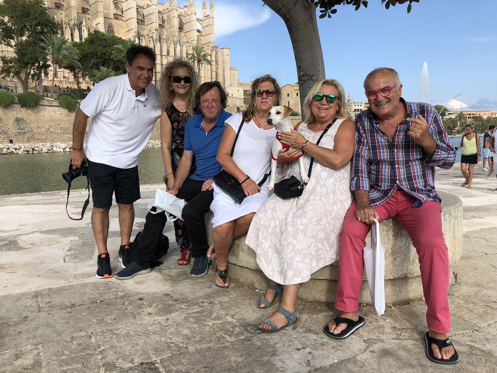 Con una cuadrilla de Zahara de los Atunes en Palma.