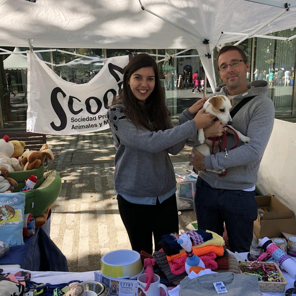 Con Beatriz y Pablo, de www.scoobymedina.org