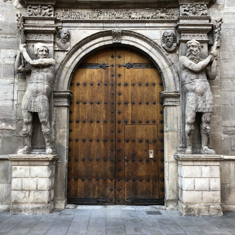 Fachada del Palacio de los Condes de Morata o de Luna.