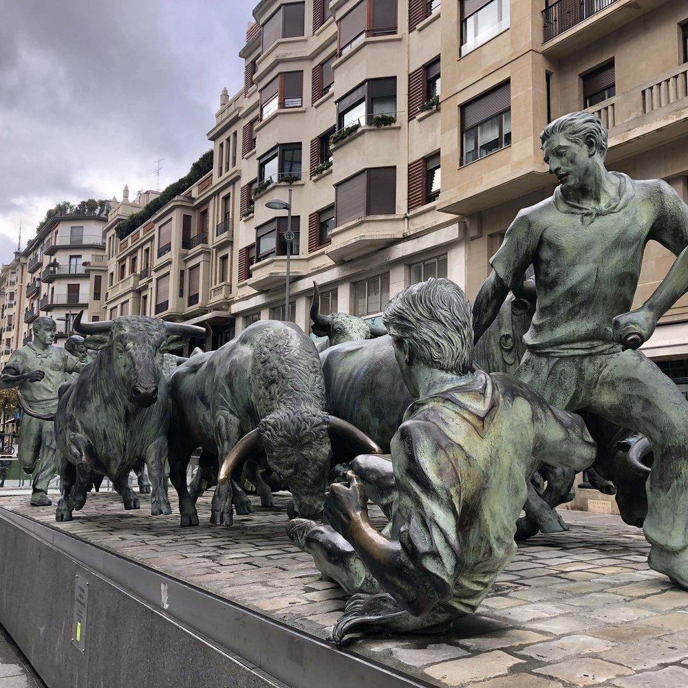 Monumento al Encierro en Pamplona.