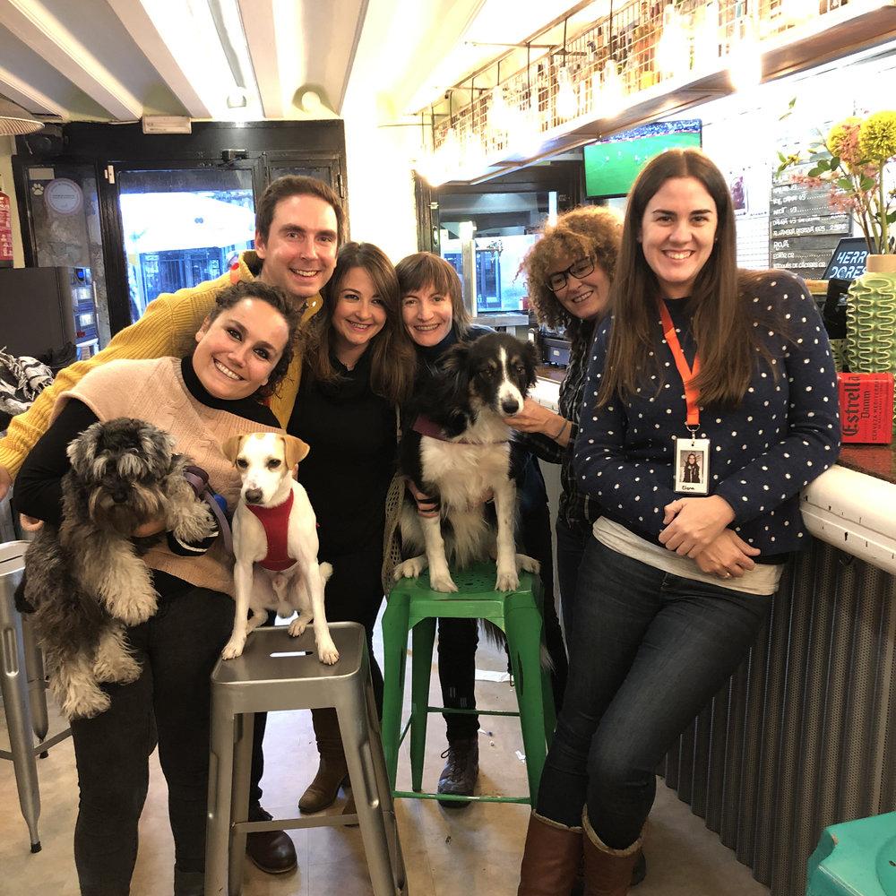 Con amigos de la Plataforma de Nuevos Realizadores en el bar Herradores.