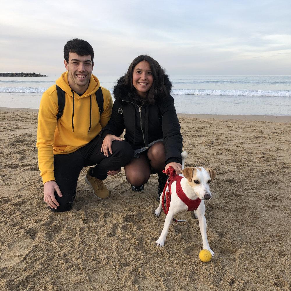 Con Tania y Juanmi en La Zurriola.