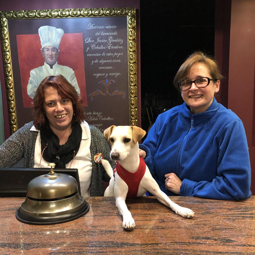 Con Linda y Elena en el hotel Finca El Rancho de La Aldegüela.