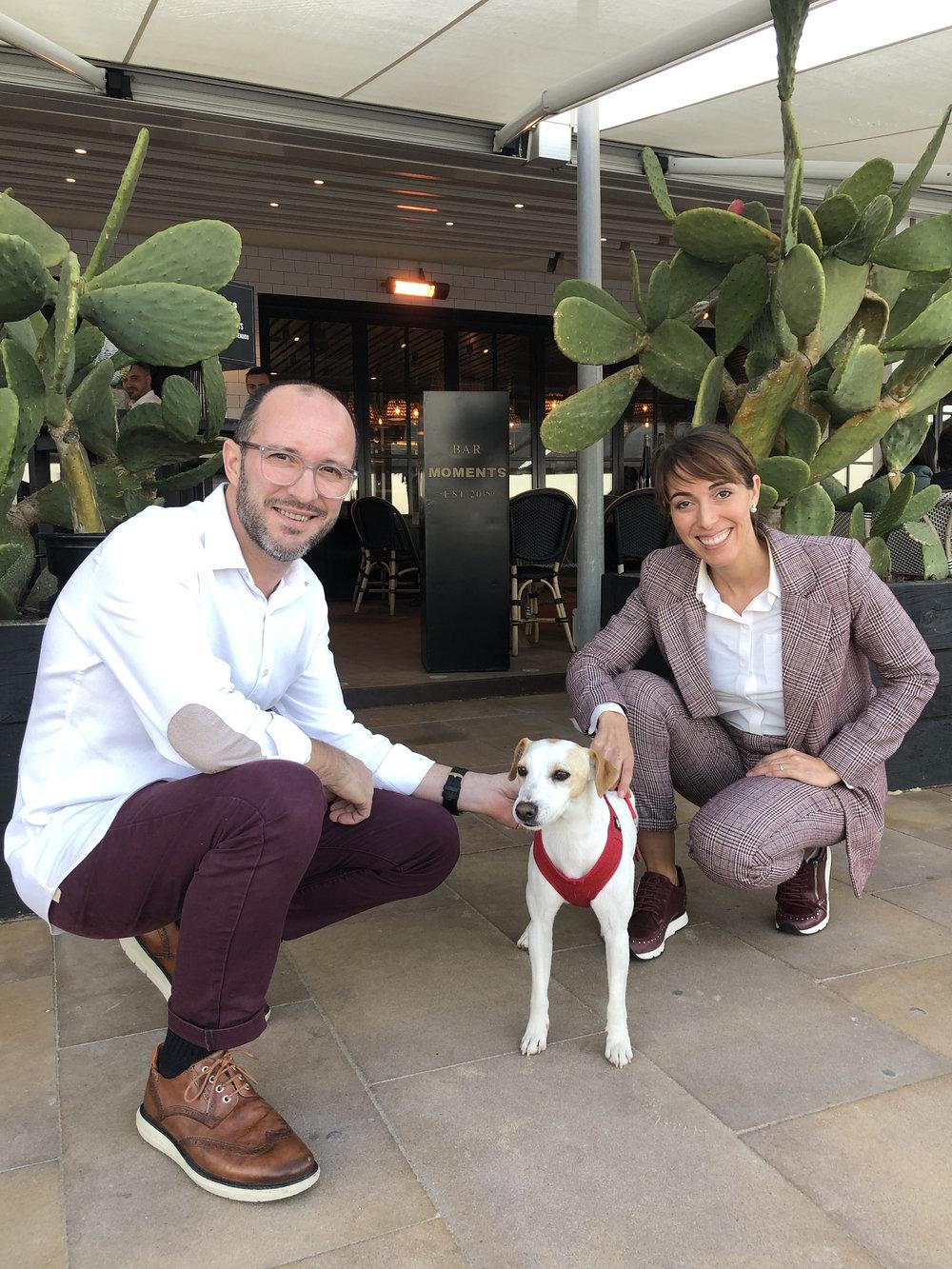 Con Raquel y Pedro, de Moments, en Alicante.