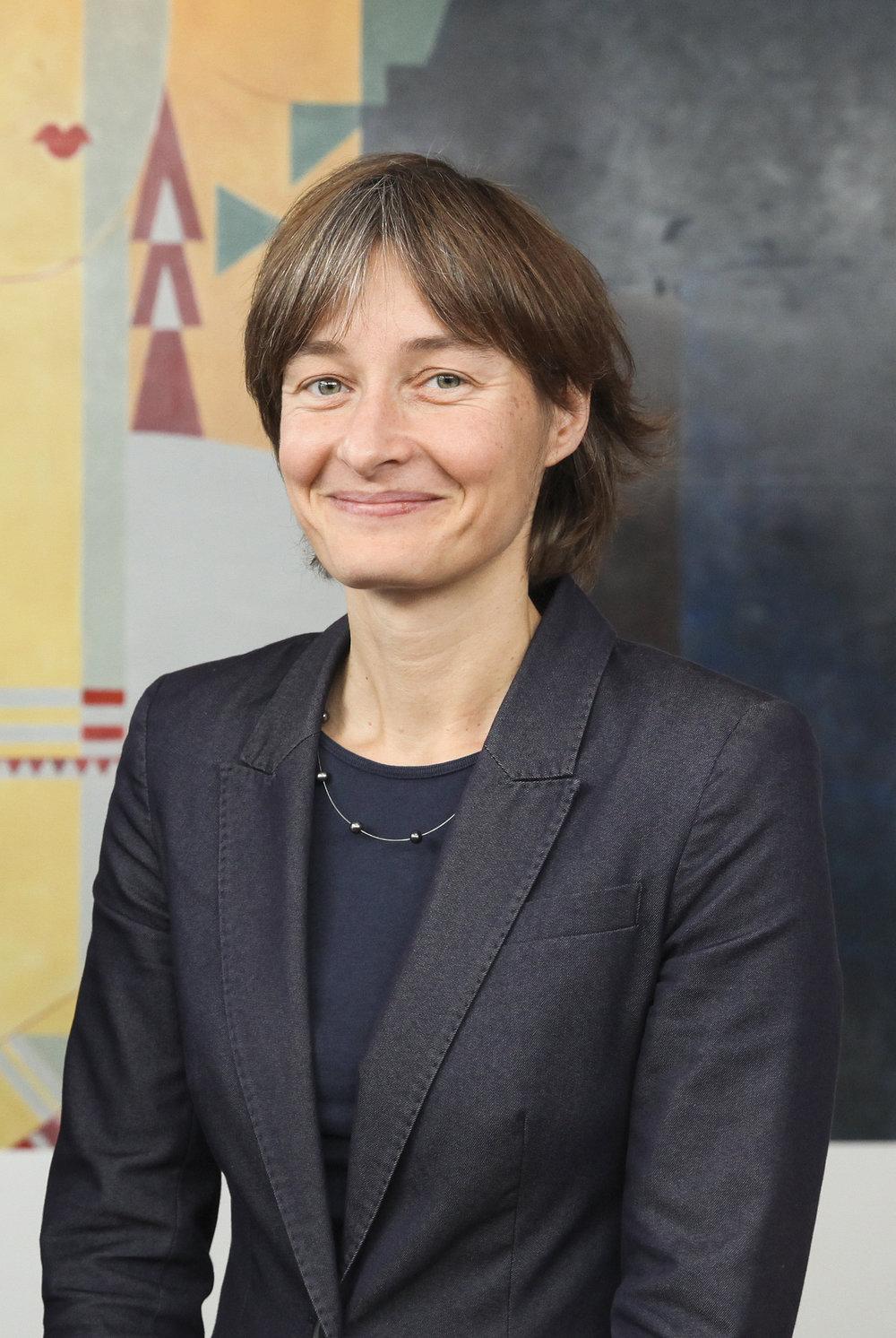 """Anpacken, Machen, Shiften - Wie Cornelia Diethelm, Centre for Responsibility (CDR), die Frage nach der Ethik im Digitalisierungsprozess ins Zentrum stellt und im Februar 2019 den Schweizweit ersten Kongress """"Shift 2019"""" ins Leben ruft."""