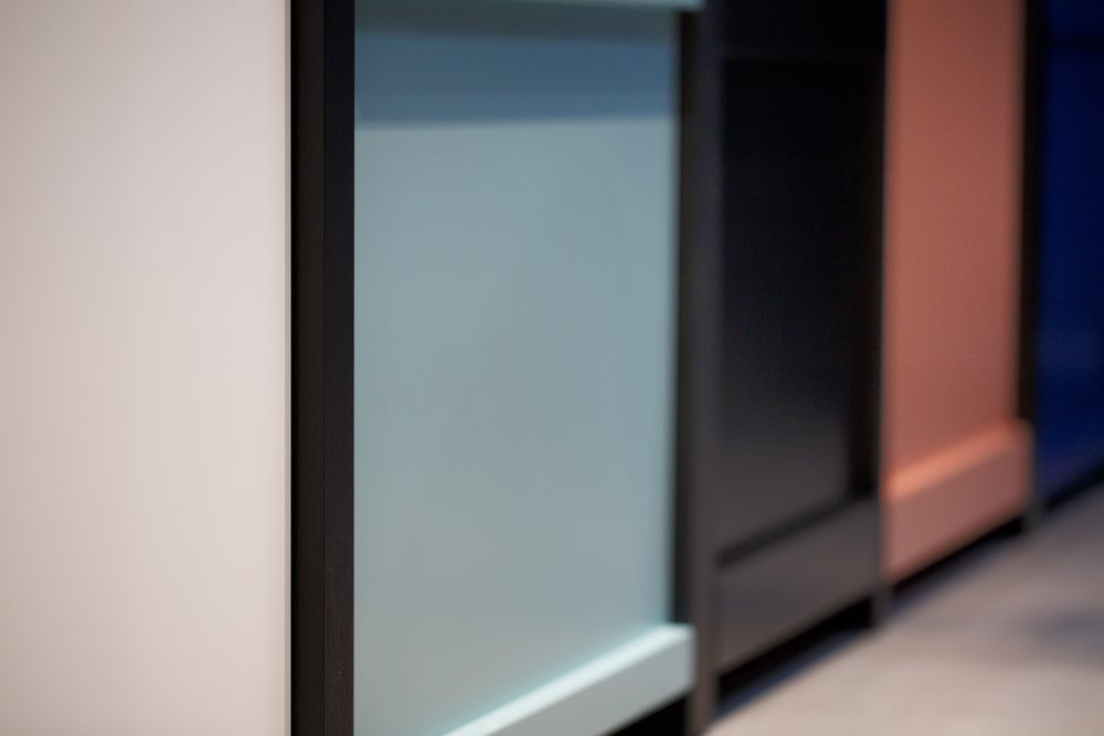 Lacquered - kitchen can be painted in any RAL colour