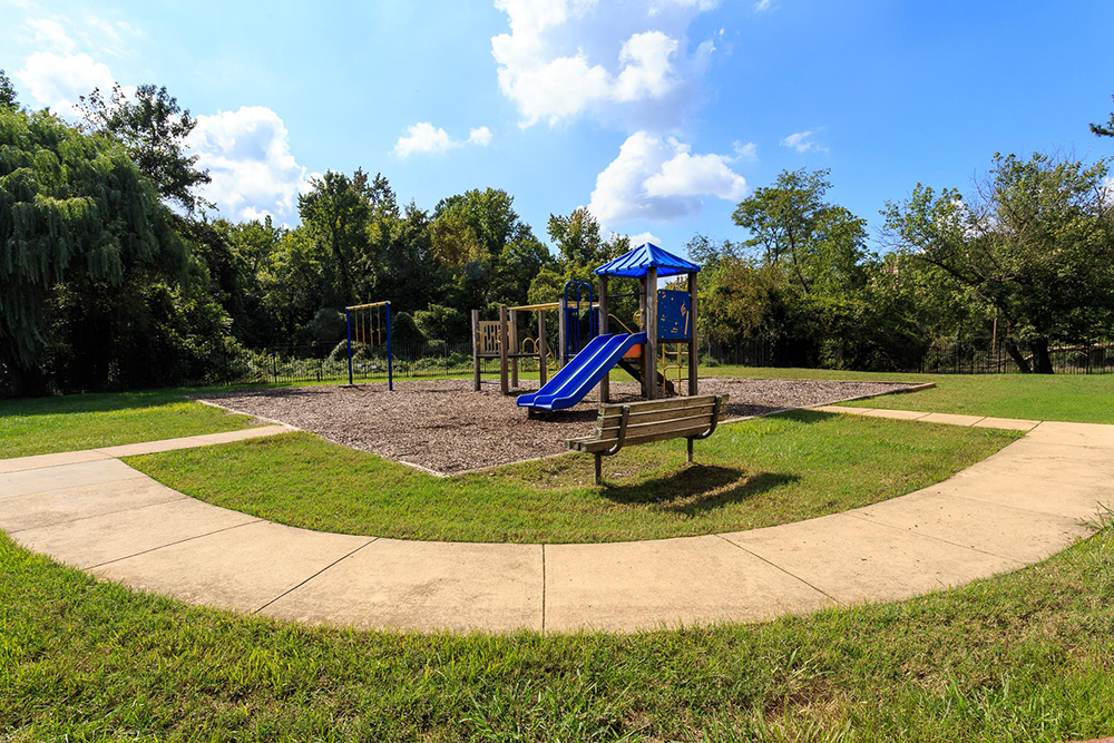 1000px_Holly_Spring_OCT_2013_Playground (5).jpg