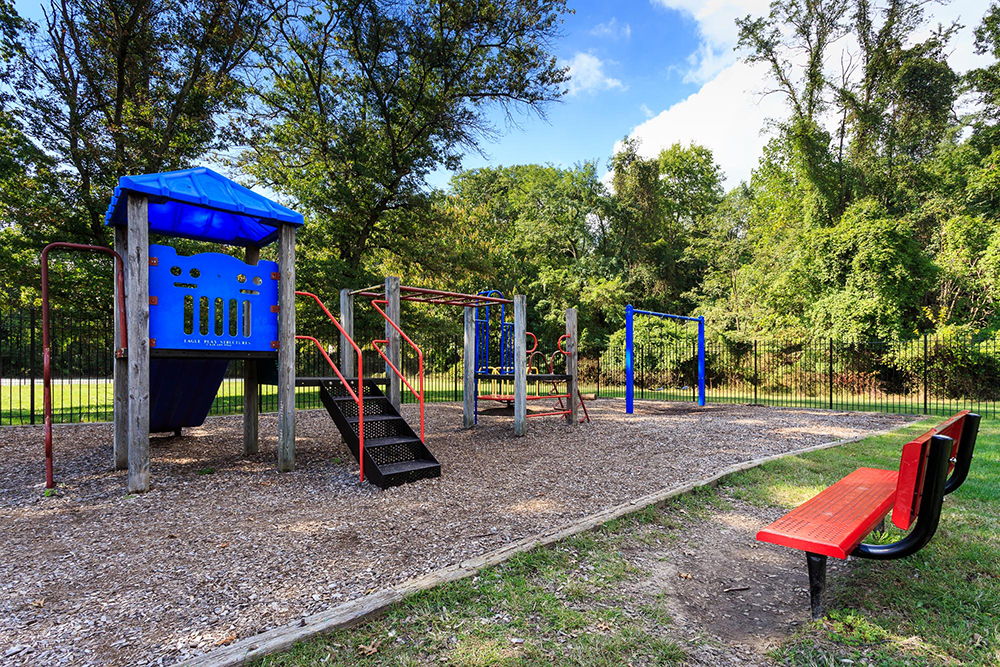 1000px_Woods_at_Addison_OCT_2013_playground (3).jpg