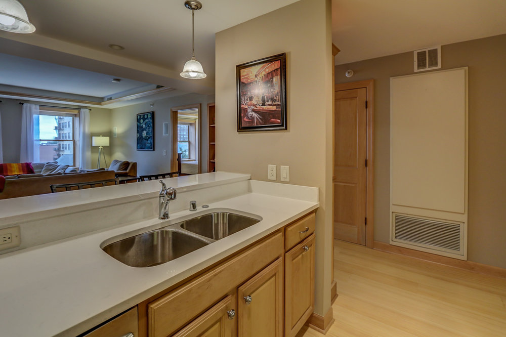123 W. Washington Ave, Unit 506 Madison, WI 53703 - Kitchen4.jpg