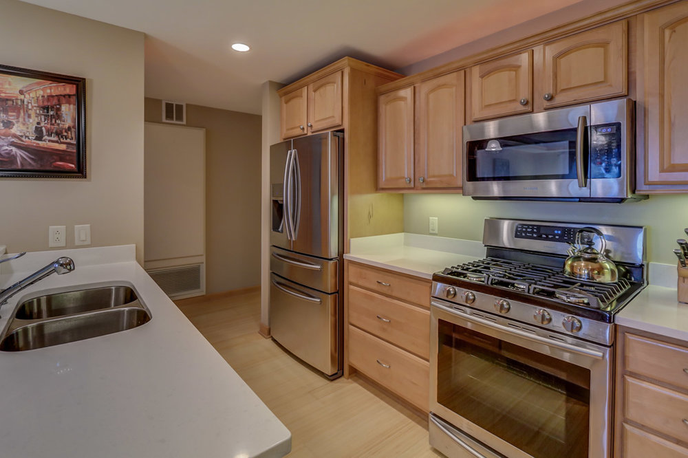 123 W. Washington Ave, Unit 506 Madison, WI 53703 - Kitchen5.jpg